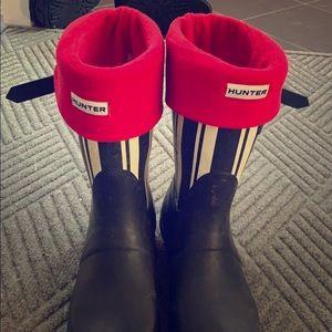 Short hunter socks for boots (not boots)